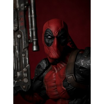 MARVEL STATUE 1/6 DEADPOOL