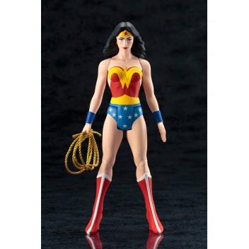 DC UNIVERSE WONDER WOMAN CLASSIC ARTFX+ STATUE