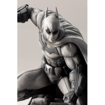 ARKHAM CITY 10th ANNIVERSARY BATMAN STATUE